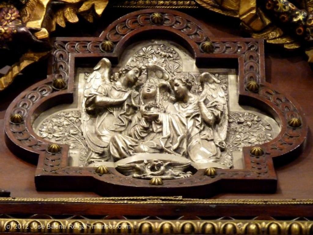 Malaga Trono Virgen de la Soledad Malaga