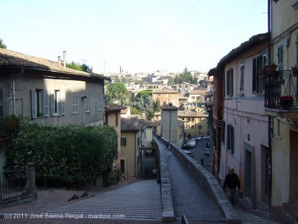 Perugia Calle escalonada Umbria