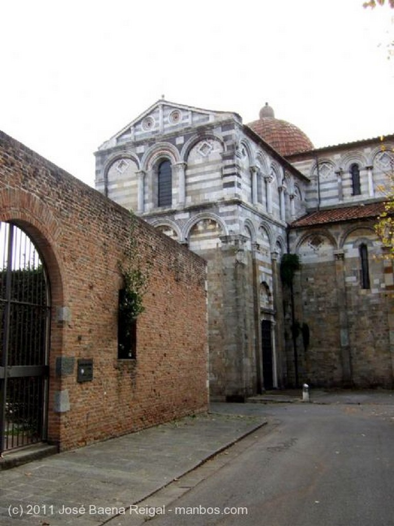 Pisa Lungarno Ranieri Simonelli Toscana