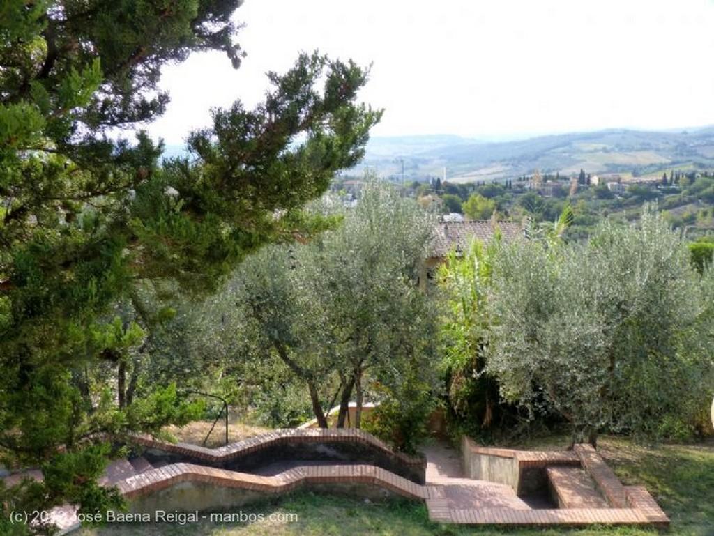 San Gimignano Cruce de caminos Siena