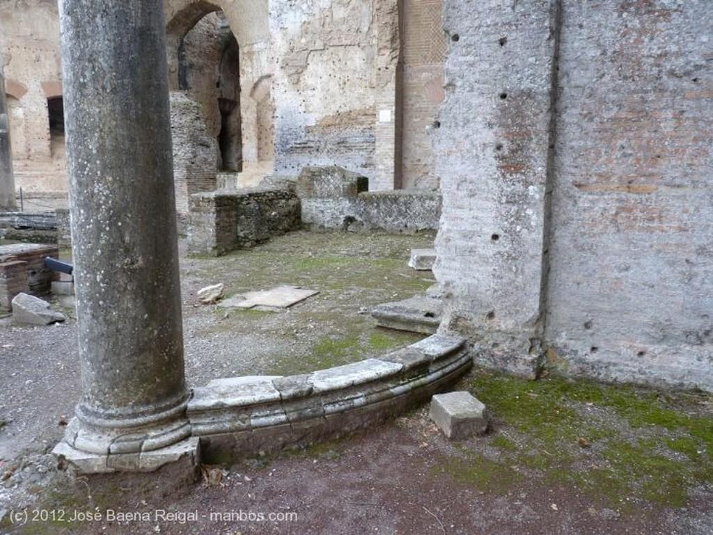 Villa Adriana Canopo y Serapeo Roma