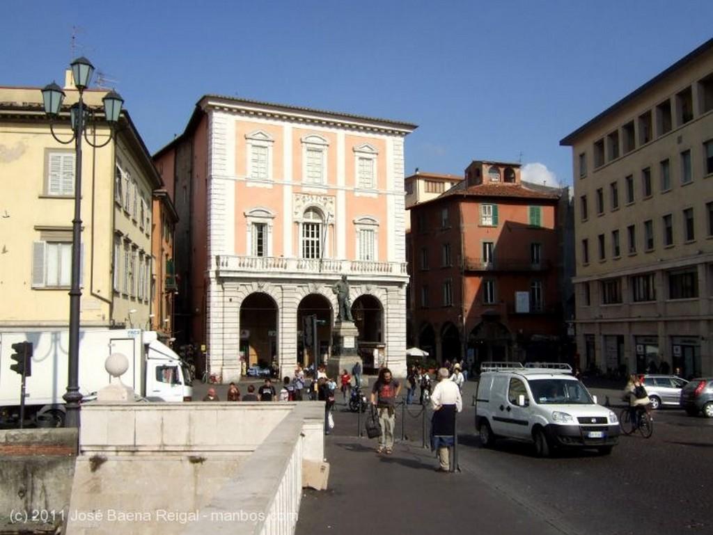 Pisa Pisa y el Arno Toscana