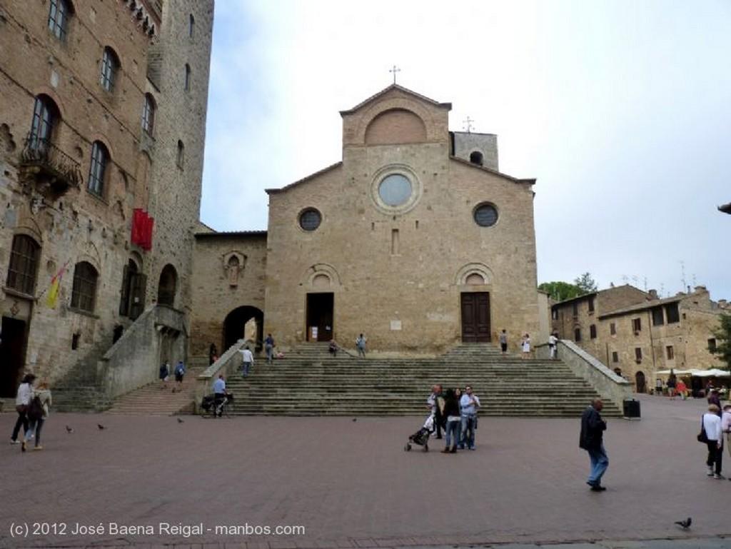 San Gimignano La colina de San Gimignano Siena