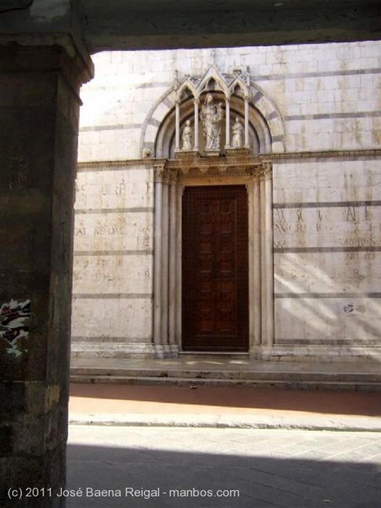 Pisa Soportales Toscana
