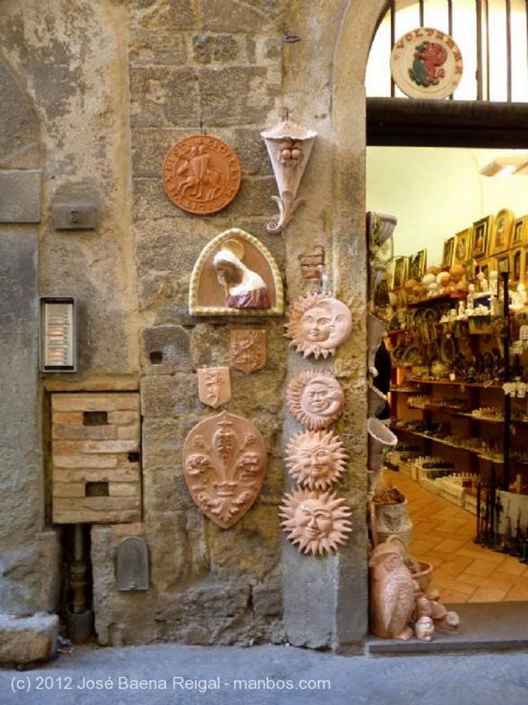 Volterra Decoracion decada de los sesenta Pisa