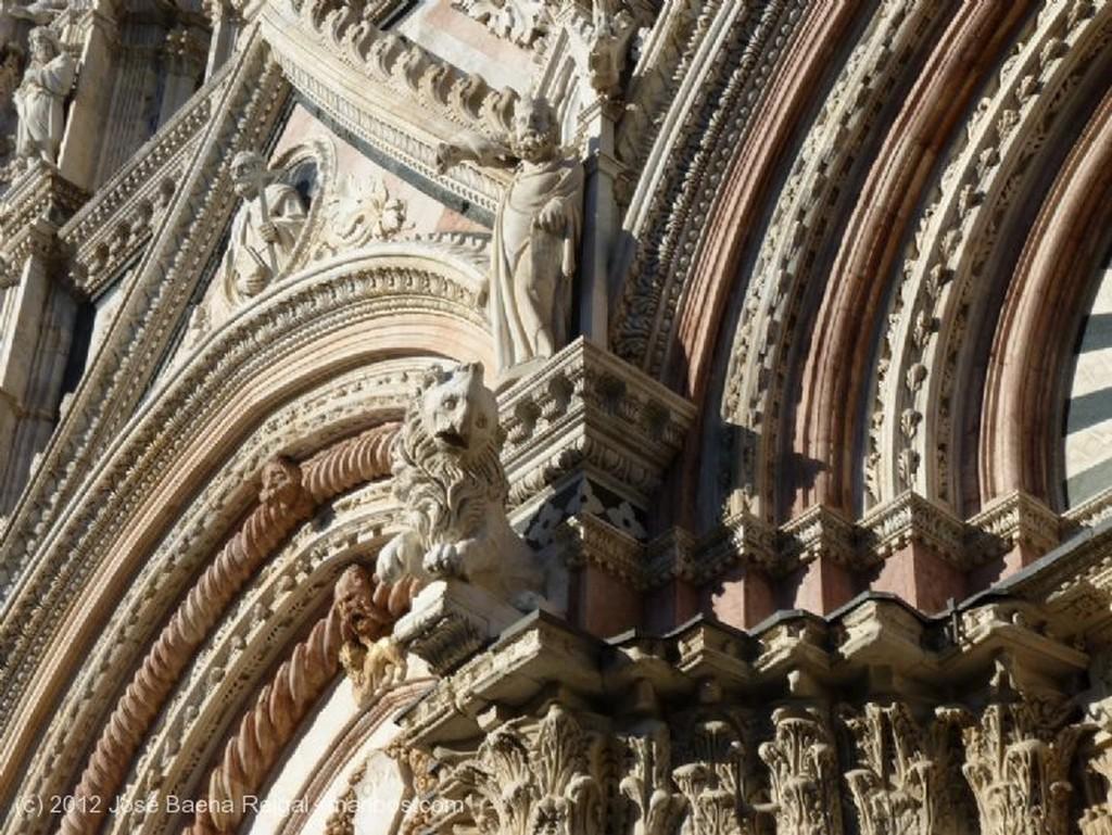 Siena Marmoles preciosamente trabajados Toscana