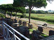 Foto de Ostia Antica, Ruinas de Ostia, Italia - Decumano Massimo