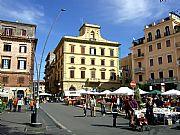 Piazza Guglielmo Marconi, Frascati, Italia