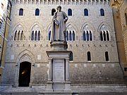 Piazza Salimbeni, Siena, Italia