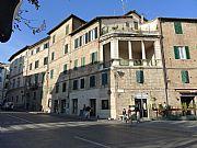 Via Giuseppe Garibaldi , Siena, Italia
