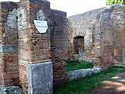 Via dei Vigili, Ostia Antica, Italia