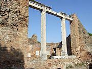 Via de los Foros, Ostia Antica, Italia