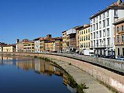 Lungarno Antonio Pacinotti, Pisa, Italia