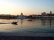 Foto de Malaga, Puerto de Malaga, España - Anochecer de diciembre