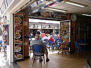 Foto de Torremolinos, Calle San Miguel, España - En la heladeria