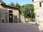 Via della Rocca, San Gimignano, Italia