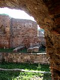 Foto de Ostia Antica, Termas de la Palestra, Italia - Muros indestructibles