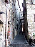 Foto de Perugia, Centro historico, Italia - Calle medieval