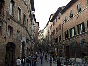 Via dei Rossi, Siena, Italia