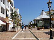 Foto de Marbella, Puerto Banus, España - Plaza de Benabola