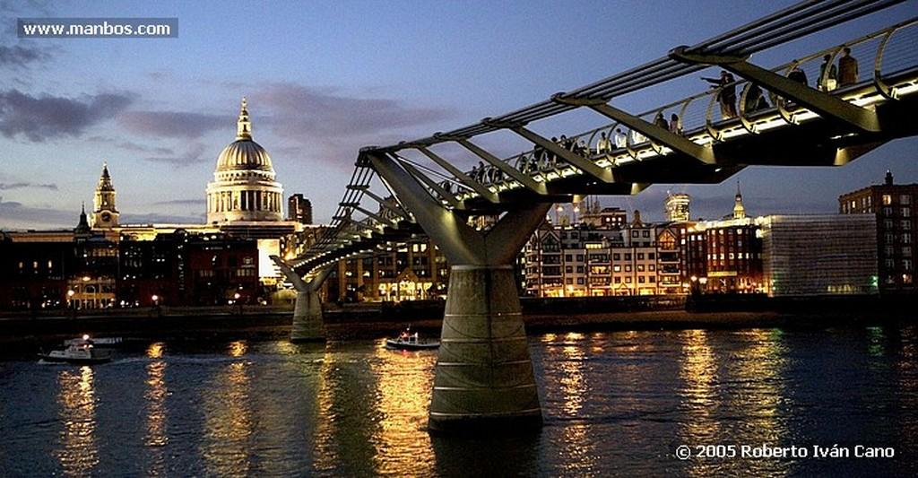Londres Tienda Oxford st ambiente en Escaparate Londres