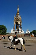 Photo of London, Kesington Gardens, United Kingdom - Albert memorial. kensington gardens