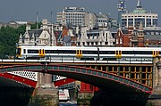 Photo of London, Alexandra Bridge, United Kingdom - ALEXANDRA BRIDGE Y BLACKFRIARS BRIDGE
