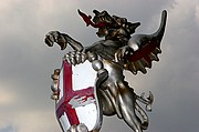 Photo of London, River Thames, United Kingdom - DRAGON HERALDICO JUNTO AL RIVER THAMES