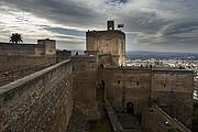 Foto de Granada, La Alcazaba, España - Torre de la vela y granada