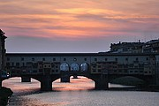 Camara NIKON D70 ponte vecchio anochecer Florencia FLORENCIA Foto: 14175