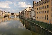 Camara NIKON D70 ponte vecchio y orilla Florencia FLORENCIA Foto: 14168