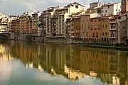 Camara NIKON D70 reflejoen la orilla Florencia FLORENCIA Foto: 14164